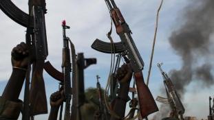 Súlyos harcok Dél-Szudánban, szorul a hurok a lázadók nyakán
