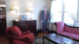 Eltöltene egy éjszakát Donald Trump gyerekkori otthonában? Most megteheti!