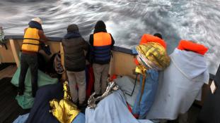 Olasz belügyminiszter: csökken a migránsok beáramlása Líbiából