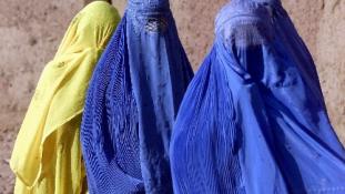 Miről ír az első tálib női magazin?