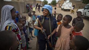 Bíróság előtt a nőket korbácsoltató ex-főrendőr Maliban