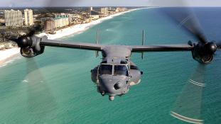 Lezuhant az amerikai haditengerészet egyik billenőrotoros repülőgépe