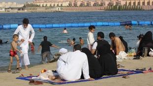 Bikiniben Szaúd-Arábiában – fókuszban a turizmus