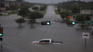 Harvey hurrikán: Houston víz alatt – videó