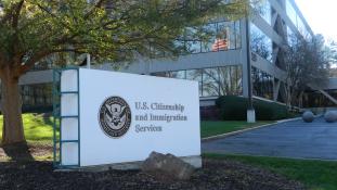 Trump a felére csökkentené a legális bevándorlók számát