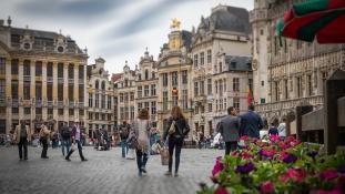Késelő támadt katonákra Allah Akbar kiáltással Brüsszelben – lelőtték