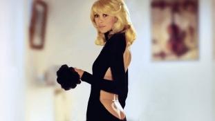 Meghalt Mireille Darc, aki Alain Delon partnere volt a filmvásznon és az életben is