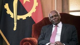 Békés búcsú az elnöktől – de mi lesz Angolával, ahol 38 éven át uralkodott?