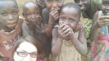 Tényleg az Isten háta mögött gyógyítanak a magyar doktornők Afrikában