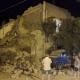 Földrengés után: kisbabát mentenek ki a tűzoltók Ischia szigetén – videó