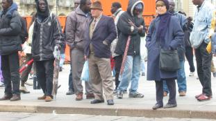 Homlokegyenest ellenkező – európai-afrikai migráns-csúcs Párizsban