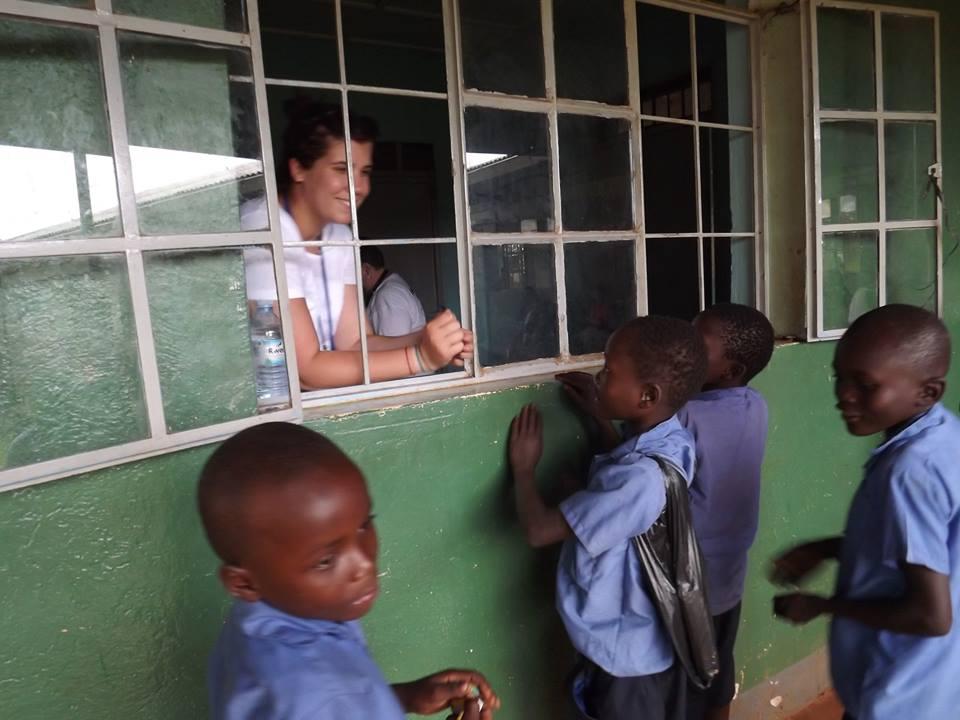Az ablakban Könczöl Zsófi AHU-koordinátor