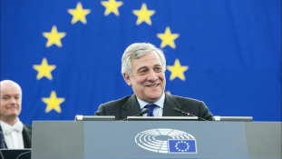 Migránsegyezmény kell Líbiával – mondja az Európai Parlament elnöke