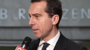 Néppárti-szabadságpárti koalícióra számít a szociáldemokrata kancellár Ausztriában