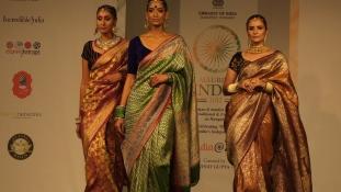 Csábító India – divatbemutató a Bálnában