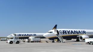 Járatritkítás és pontosság – 2.000 gép a földön marad a Ryanairnél