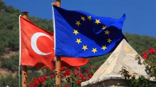 Merkel nemet mond Törökországra