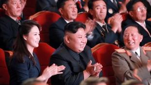 Díszünnepség Észak-Koreában a hidrogénbomba tiszteletére – videó