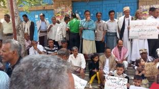 Már egy éve egy fillért sem keresnek – élet Jemenben a háború alatt