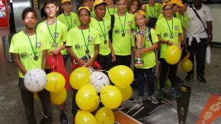 Hazaérkeztek a kupagyőztes fiatal focisták Spanyolországból