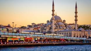 Újságíró per – állt-e üzleti kapcsolatban Erdogan elnök veje az Iszlám Állammal