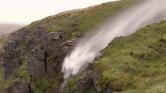 Ofélia olyan erős, hogy visszafordított egy vízesést Nagy-Britanniában – videó