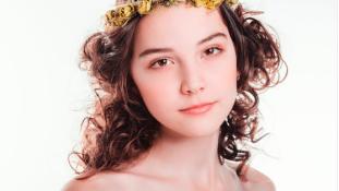 A kifutó mellett esett össze és halt meg a 14 éves orosz modell Kínában