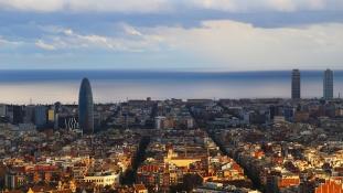 Hétfőn munkába megyek – közölte a leváltott katalán elnök