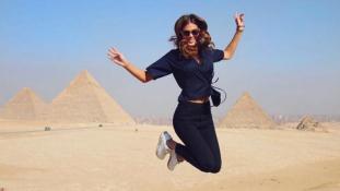 A francia világszépe segít reklámozni Egyiptomot