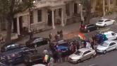 Kurd tüntetők rohamozták meg Irak londoni nagykövetségét – videó