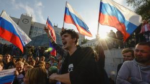 Tüntetés Putyin ellen a 65. születésnapján
