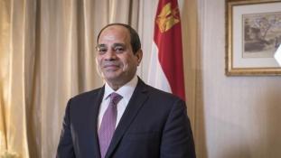 Párizsban tárgyal a terrorfenyegetettségről az egyiptomi elnök