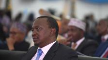 Belül katonai parádé, kívül káosz – letette második elnöki esküjét Kenyatta