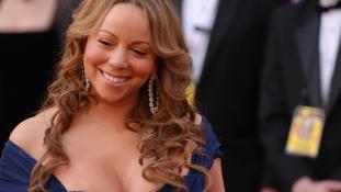 Egykori testőre szexuális zaklatással vádolja Mariah Carey-t – videó