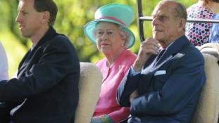 70 éve kötött házasságot Erzsébet királynő és Fülöp herceg – videó