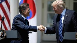 Trump Dél-Koreában, Észak-Koreáról  – videó