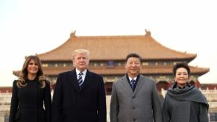 Észak-Korea megfékezését kérte Trump Kínától Pekingben