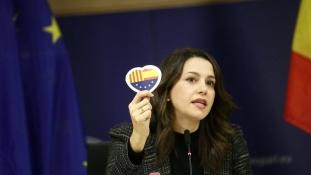 Egy csinos ifjú hölgy akadályozhatja meg Katalónia függetlenségét