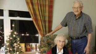 70 év után először fog külön karácsonyozni egy kanadai házaspár