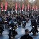 Tízezrek kísérték utolsó útjára a francia Elvist a Champs Élysées-n – videó