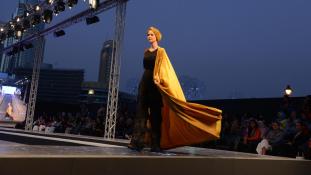 Ruhák a dubaji divathét kifutójáról