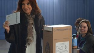 Hazaárulással vádolják Argentína egykori elnökasszonyát
