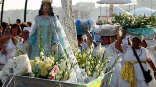Újév Brazíliában: tisztelgés a tenger istennője előtt – videó