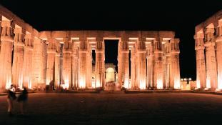 Ókori oroszlánistennő szobrokat találtak Egyiptomban