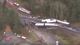 Halálos vasúti katasztrófa az USA-ban – videó