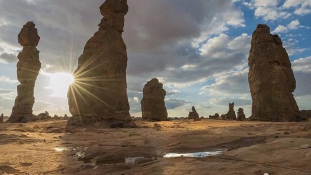 A Kelet szépségei – eltűnt hegyek a sivatagban