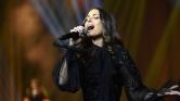 Premier Szaúd-Arábiában: énekesnő a színpadon – videó