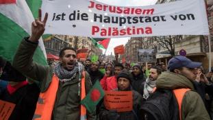 Kiutasíthatják Németországból azokat a migránsokat, akik antiszemita megmozdulásokban vesznek részt