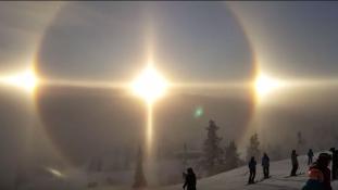 Angyalra hasonlító fényjelenség tűnt fel az égen Svédországban