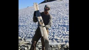 1.300 éves síléc került elő a hó alól Norvégiában